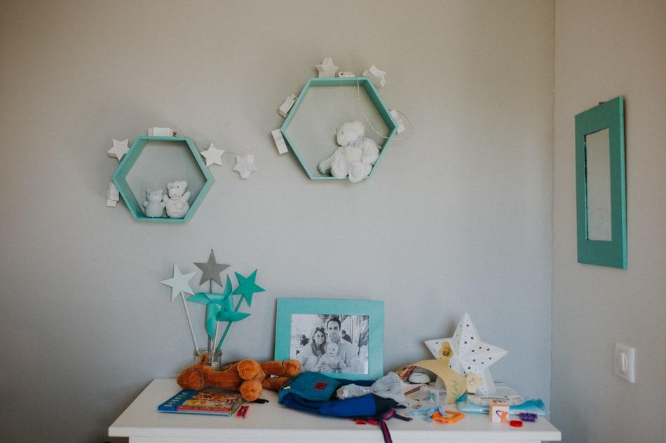 Décoration turquoise dans une chambre d'enfant à Auch